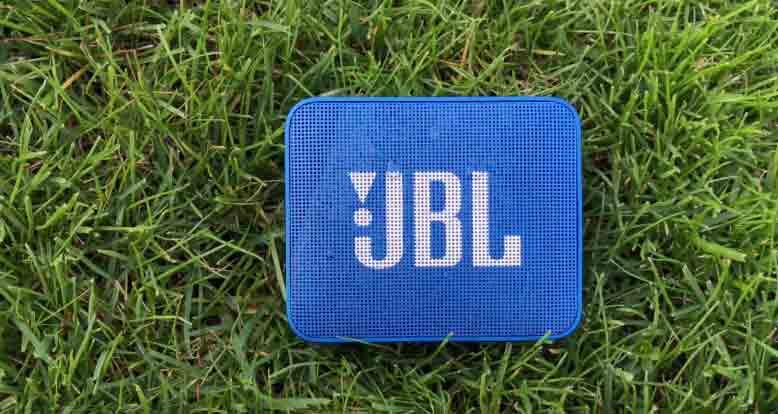 JBL Go2 in der Farbe Blau