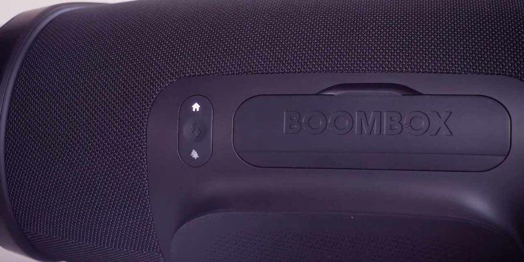 JBL Boombox innen und Außenbereich Taste