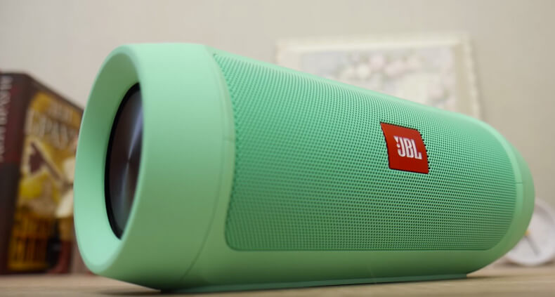 JBL Charge 2+ in Grün