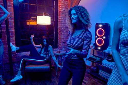 JBl Partybox 300 mit Karaoke und LED Licht Show