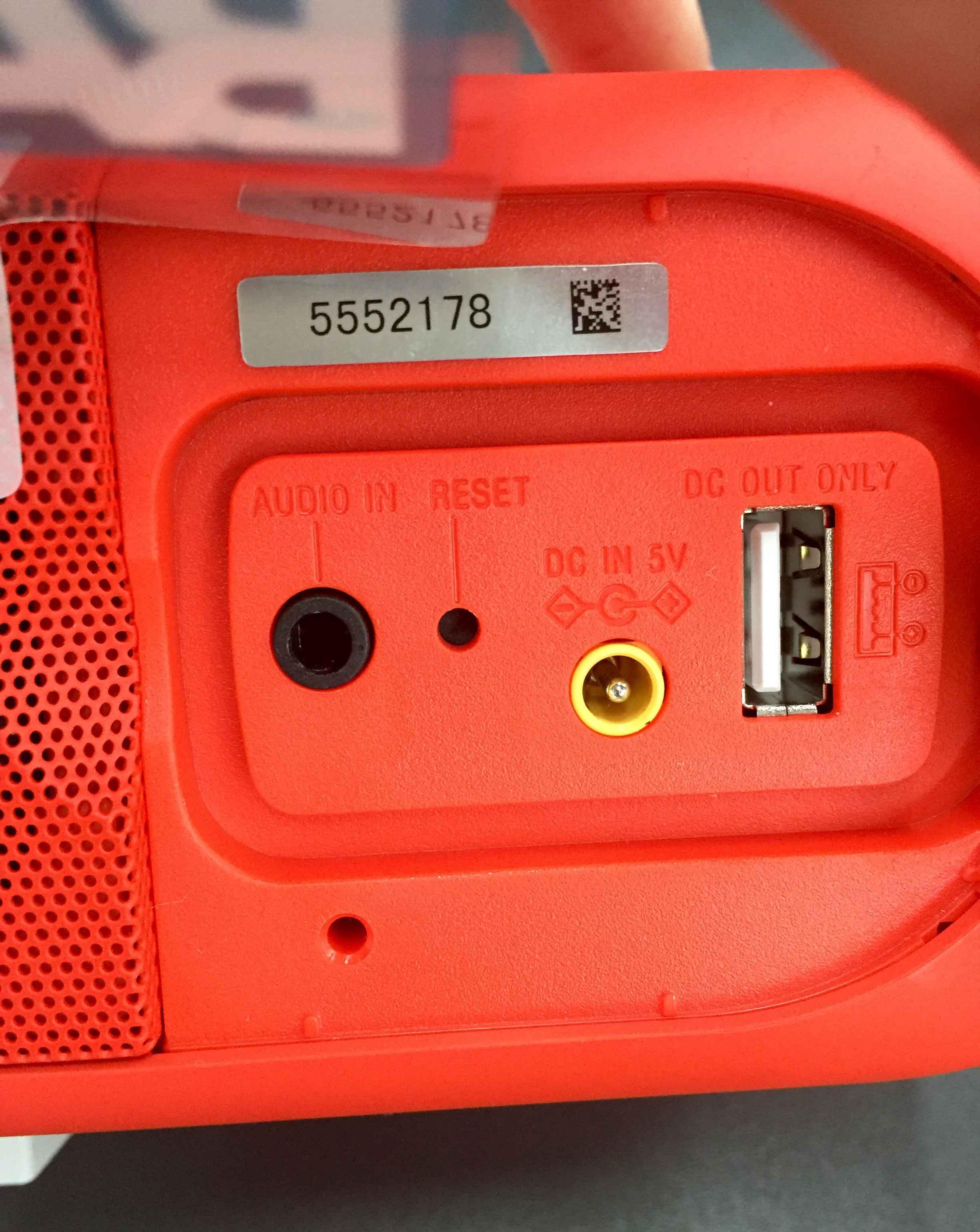 Sony-SRS-XB30 Farbe Rot Anschlüsse