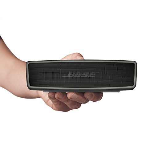 Bose Soundlink mini 2 in einer Hand
